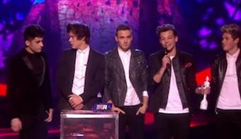 One Direction accepts Global Success Award