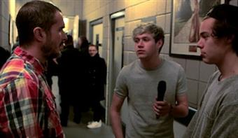 Zane Lowe goes backstage with Harry & Niall from One Direction