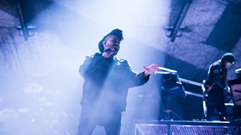 The Weeknd performs 'The Hills'