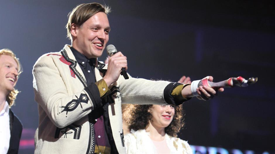 Arcade Fire perform 'Ready to Start' Live