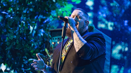 Rag'n'Bone Man performing at The BRITs 2019