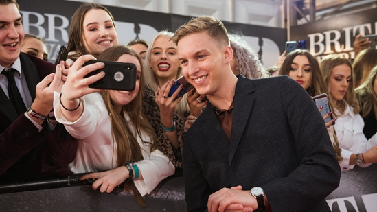 George Ezra on The BRITs 2019 Red Carpet