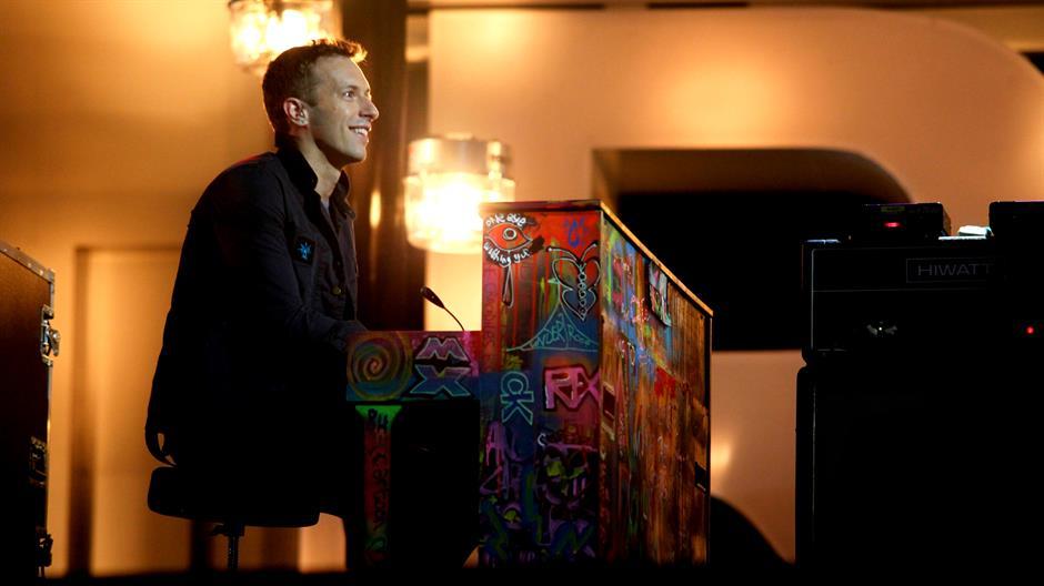 Coldplay perform 'Charlie Brown' Live