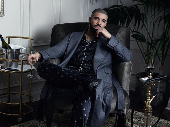 Drake_id18240__ar4x3__ts636863043786769300__nowm__thumb_580_326.jpg