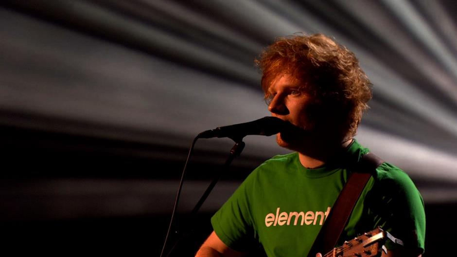 2012 - Ed Sheeran 'Lego House' (live)