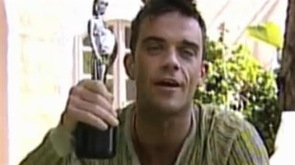 2002 - British Male - Robbie Williams