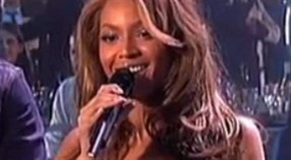 2004 - International Female - Beyonce