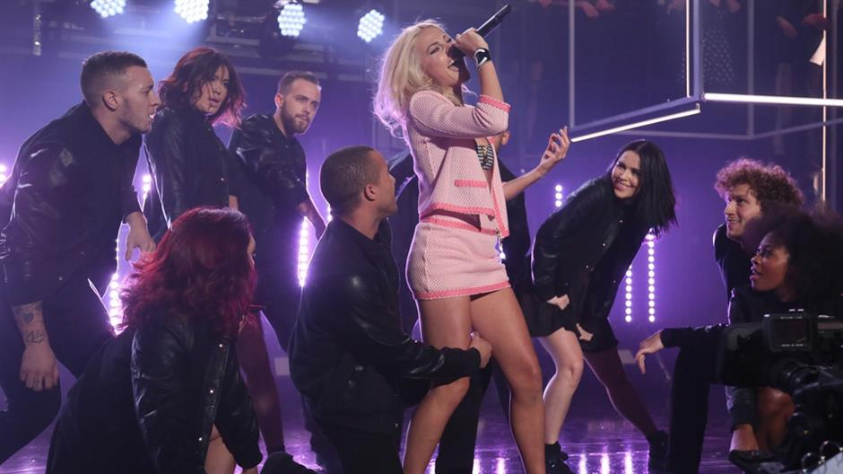 Pixie Lott performs 'Nasty'
