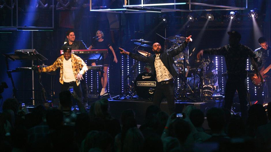 Rudimental performs 'Not Giving In'