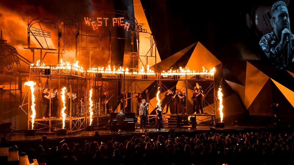 Rag'n'Bone Man & Jorja Smith on stage at The BRITs 2018