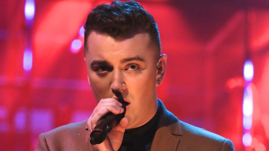 Sam Smith performs 'Money On My Mind'