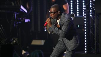 Tinie Tempah performs 'Lover Not A Fighter'