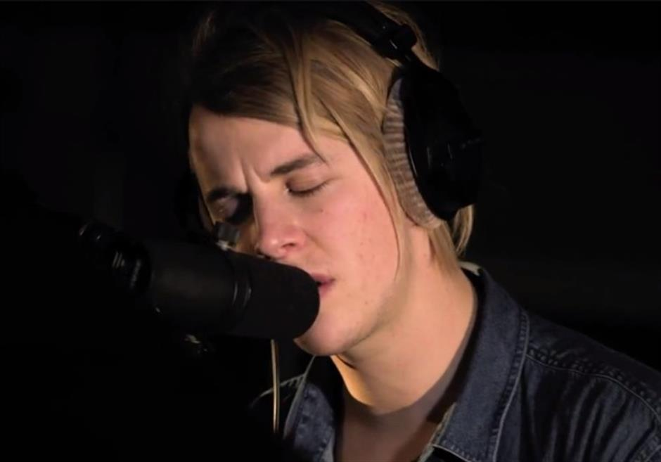 Tom Odell 'Sense' | BRITs 2013 Session EXCLUSIVE