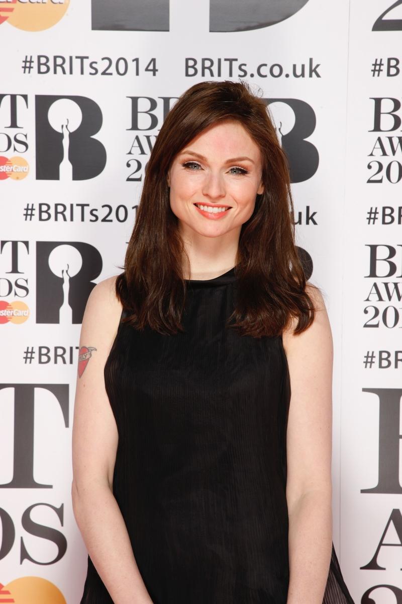 Sophie Ellis Bextor Red Carpet | BRITs 2014