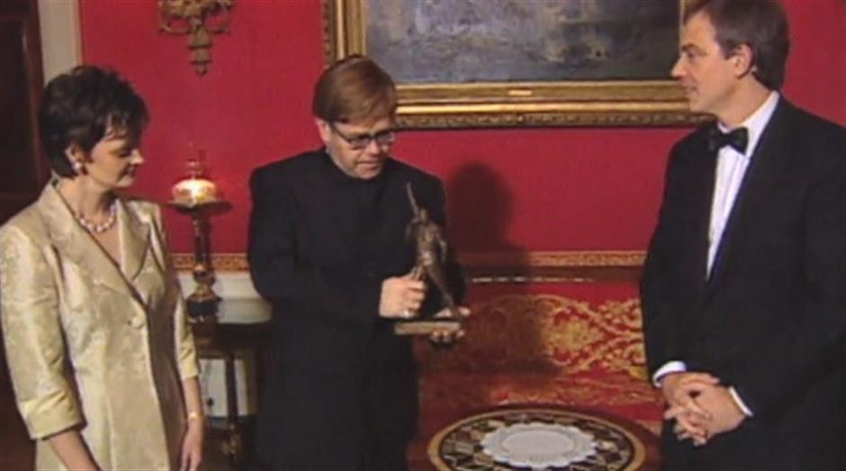 1998 - Freddie Mercury Award - Elton John
