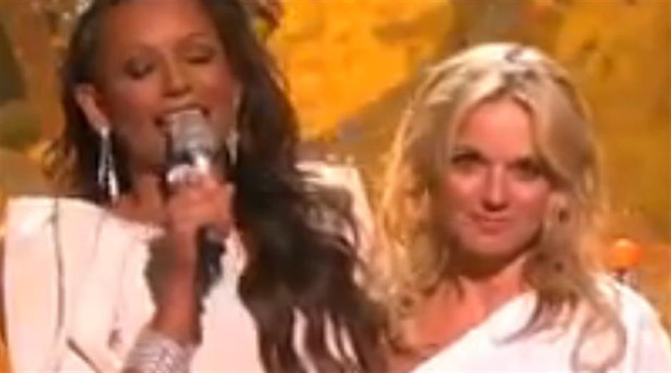 2010 - BRITs Performance of 30 Years - Spice Girls