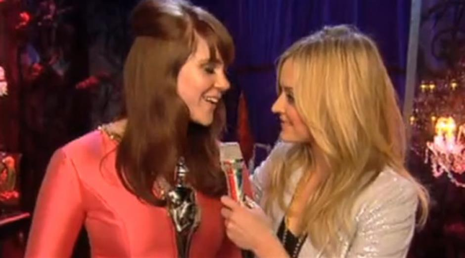 2008 - Fearne Cotton backstage with Kate Nash