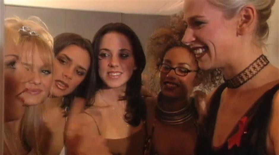1997 - Zoe Ball backstage with Spice Girls