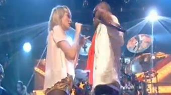 2011: Ellie Goulding & Tinie Tempah 'Wonderman' (live)