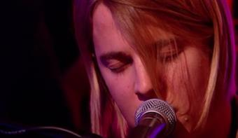 Tom Odell performs backstage at BRITs 2013