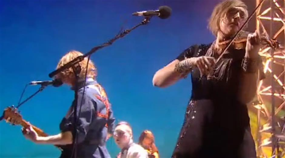 2011 - Performance: Arcade Fire