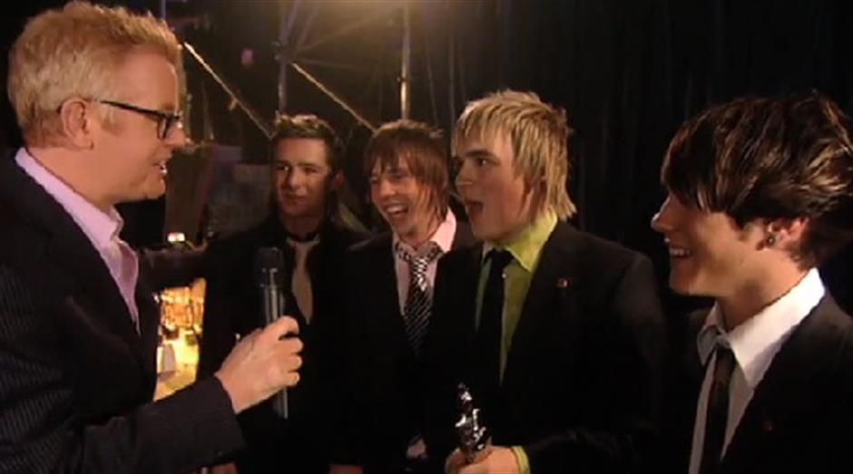 2005 - Chris Evans backstage with McFly