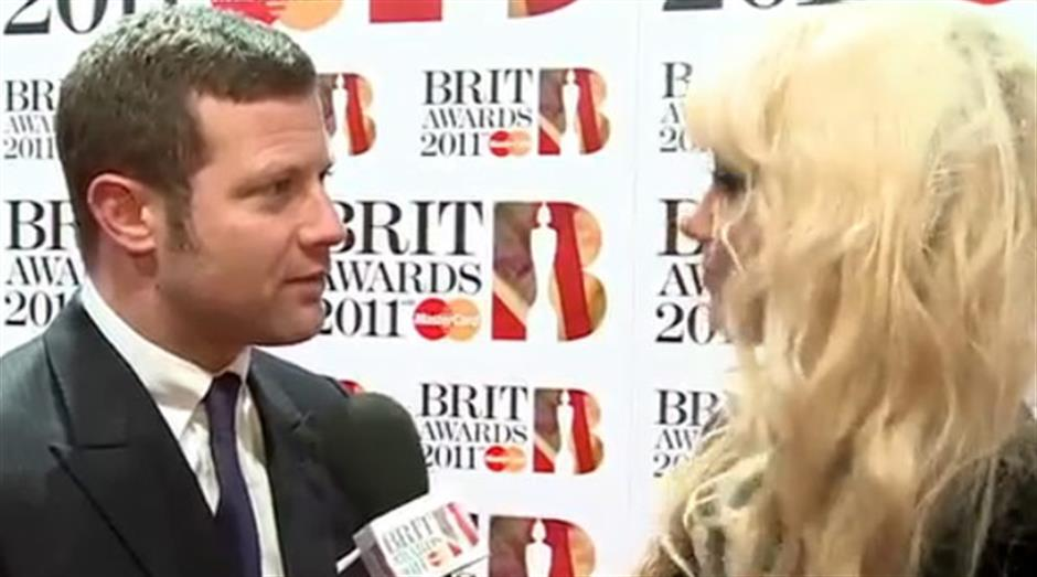 2011 - Goldierocks interviews Dermot O Leary on the Red Carpet