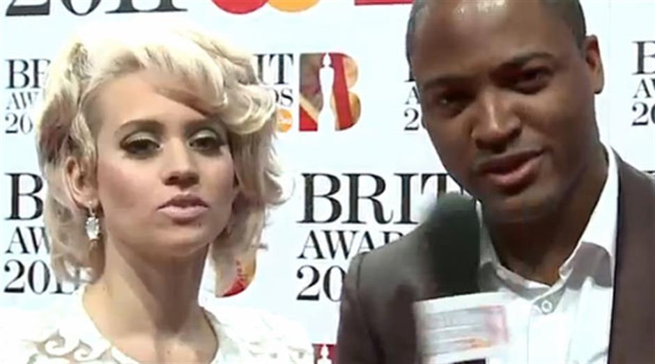 2011 - Red Carpet Interview: Kim Wyatt and Taio Cruz