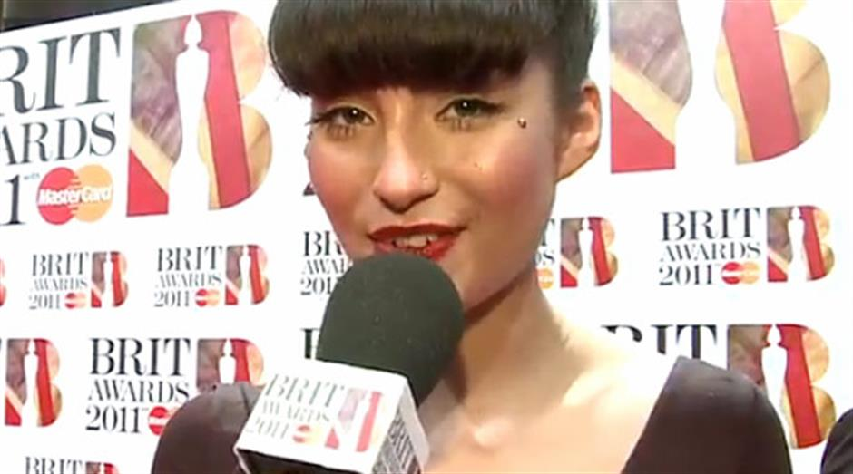 2011 - Goldierocks interviews Yasmin on the Red Carpet